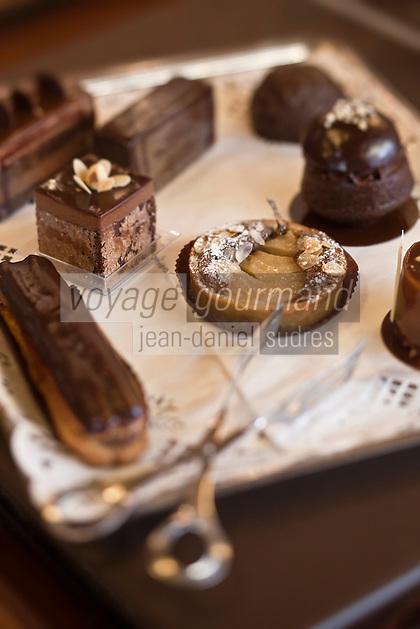Europe/France/Rhône-Alpes/74/Haute-Savoie/La Clusaz: Jean-Dominique Gellé, Chocolats Morand - Chocolats et entremets