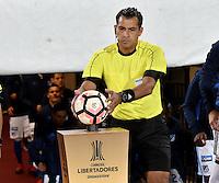 BOGOTA- COLOMBIA – 08-02-2017: Julio Bascuñan, arbitro de Chile, durante partido entre Millonarios de Colombia y Atletico Paranaense de Brasil, por la segunda fase, llave 1 de la Copa Conmebol Libertadores Bridgestone 2017,en el estadio Nemesio Camacho El Campin, de la ciudad de Bogota. / Julio Bascuñan, Chilenan referee, during a match between Millonarios of Colombia and Atletico Paranaense of Brasil, for the second phase, key1, of the Conmebol Copa Libertadores Bridgestone 2017 at the Nemesio Camacho El Campin in Bogota city. VizzorImage / Luis Ramirez / Staff.