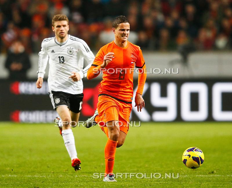 Nederland, Amsterdam, 14 november 2012.Oefeninterland.Nederland-Duitsland (0-0).Ibrahim Afellay van Nederland trekt een pijnlijk gezicht