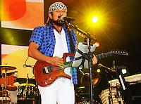 RIO DE JANEIRO, RJ, 16 MARÇO 2013 - RIO VERÃO FESTIVAL 2013 - A banda Chiclete com Banana durante a segunda edição do Rio Verão Festival 2013 na Praça da Apoteose no Rio de Janeiro, neste sábado, 16. (FOTO: SANDRO VOX / BRAZIL PHOTO PRESS).