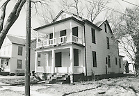1998 February ..Conservation.Campostella Heights..Campostella Heights Study.Poor Structure Boarded Up..1730 Princeton looking West...NEG#.NRHA#.02/98  SPECIAL: Camp.1 1:17 5.