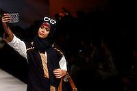 JAKARTA, SP, 10.03.2016 - MODA-INDONÉSIA - Modelo durante desfile da grife Errin Uggaru no Indonésia Fashion Week em Jakarta na Indonésia, nesta quinta-feira, 10. (Foto: Rahmat Azhar Hutomo/Brazil Photo Press)