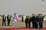 US President Barack Obama with Israeli President Peres and Prime Minister Netanyahu at the welcoming ceremony in TLV airport