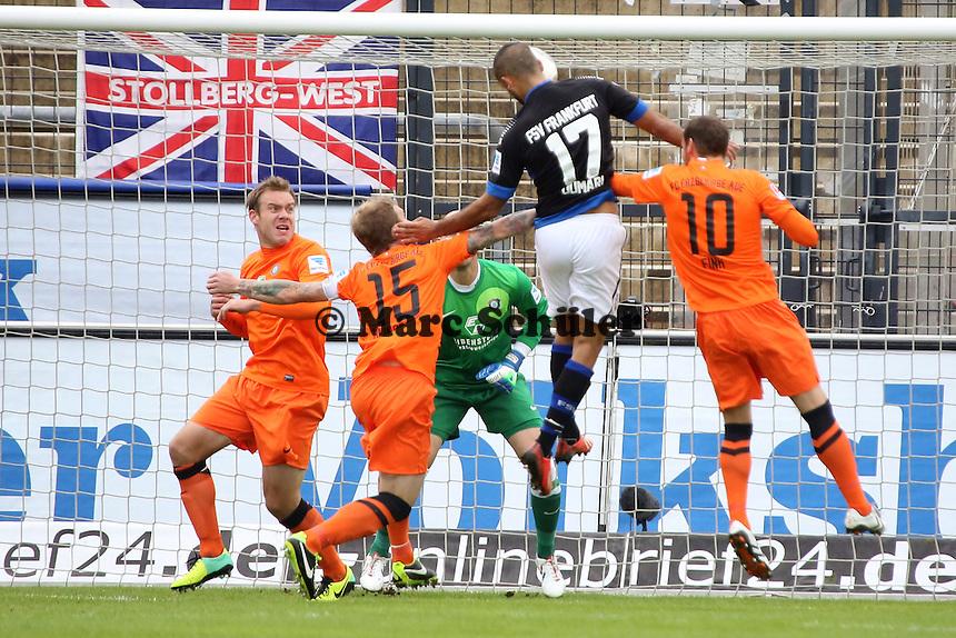 Joan Oumari (FSV) erzielt per Kopfball das 1:0 - FSV Frankfurt vs. FC Erzgebirge Aue, Frankfurter Volksbank Stadion