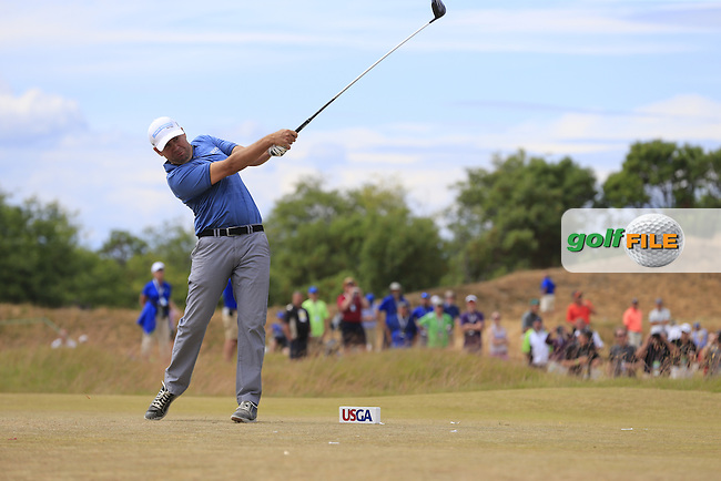 Erik Compton (USA) tees off the 4th tee during Thursday's Round 1 of the 2015 U.S. Open 115th National Championship held at Chambers Bay, Seattle, Washington, USA. 6/18/2015.<br /> Picture: Golffile | Eoin Clarke<br /> <br /> <br /> <br /> <br /> All photo usage must carry mandatory copyright credit (&copy; Golffile | Eoin Clarke)