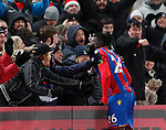 Crystal Palace's Bakary Sako celebrates his opening goal during the premier league match at Selhurst Park Stadium, London. Picture date 12th December 2017. Picture credit should read: David Klein/Sportimage