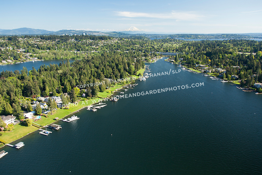 aerial photo of Hunts Point, a neighborhood on the Eastside near Bellevue, surrounded by Lake Washington