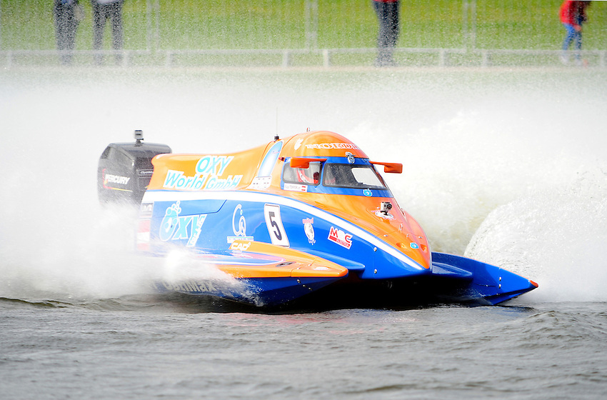 Rupert Temper AT F2 United 4 Live Racing - DAC - United 4 Live, MRC-Austria, Heiche in action during the F2 World Powerboat Championship race..Powerboat Racing - The UIM F2 World Powerboat Championship of Great Britain - National Watersports Centre, Holme Pierrepont, Nottingham. Sunday 16th September 2012....
