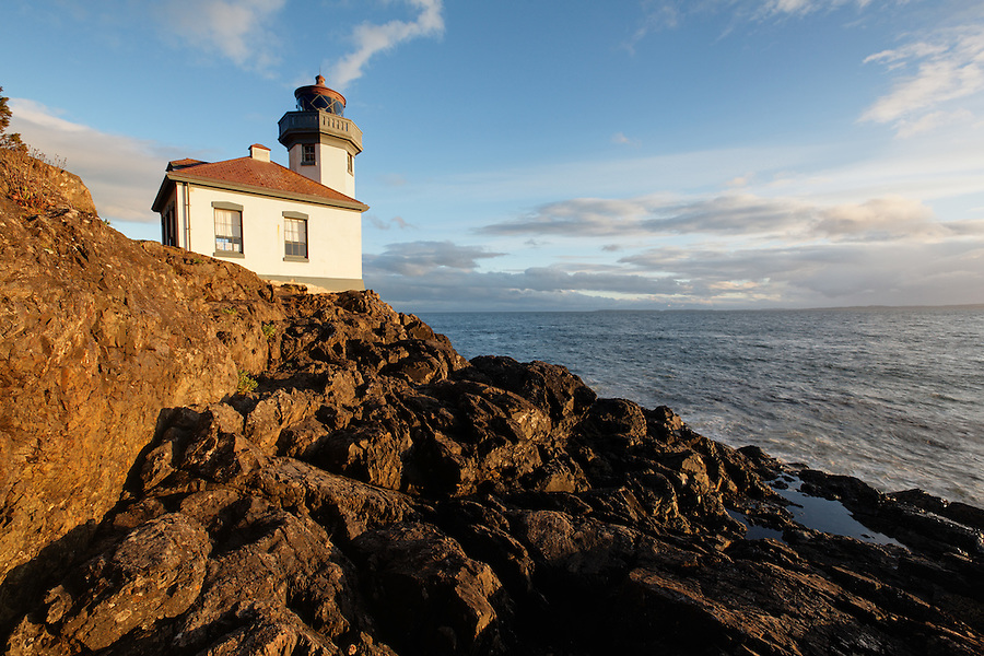 Lime Kiln Point Lighthouse, Lime Kiln Point State Park, San Juan Island, Washington, USA