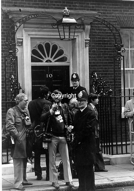 10 Downing Street with Ron Bennett and White House Press, Photojournalism, Photojournalist, News, sports, features, Hollywood, White House, &quot;Photography is art at the speed of light&quot;<br /> Anonymous photographer,<br /> Political,  &quot;Photography is art at the speed of light&quot;<br /> Anonymous photographer,<br /> collecting, editing, presenting news photographs, Photojournalism provides visual support for stories mainly in the print media,  Commercial photography's main focus is to sell a product or service, Fine Art photography are photographs that are created to fulfill the creative vision of the photographer,