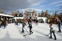 Nederland - Amsterdam - december 2017.   IJshockey op het Museumplein.  Foto Berlinda van Dam / Hollandse Hoogte