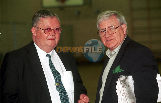 Michael Bell and Frank Hanratty talking at the Count in St. Olivers College.Pic Fran Caffrey / Newsfile