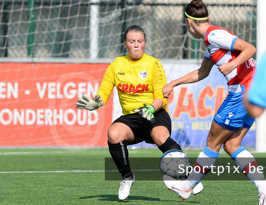 Famkes Westhoek Merkem Diksmuide - Club Brugge Dames A :  Jozefien Heyte<br /> Foto David Catry | VDB | Bart Vandenbroucke