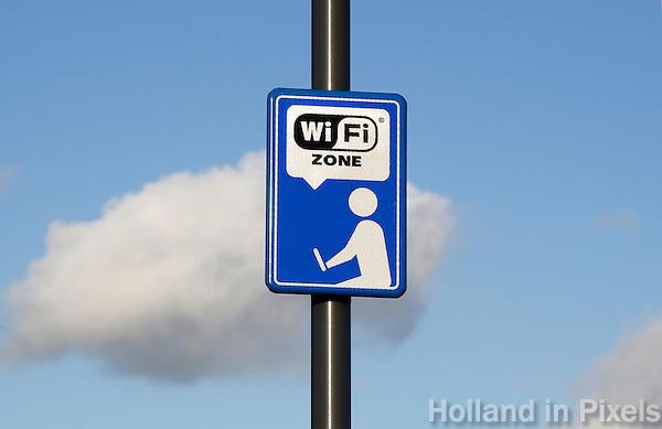 Nederland  Amsterdam 2016 01 28 .  Free WIFI in het Nelson Mandelapark