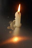 Candela, simbolo della crisi energetica. .Candle, symbol of energy crisis. ...