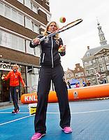 April 17, 2015, Netherlands, Den Bosch, Market square Fedcup Netherlands-Australia,  Street tennis with Michaëlla Krajicek (NED)<br /> Photo: Tennisimages/Henk Koster