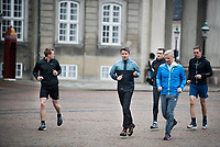 Le roi Philippe de Belgique et le Prince Frederik font du jogging dans Copenhague  lors d'une visite d'Etat au Danemark.<br /> Danemark, Copenhague, 30 mars 2017.<br /> King Philippe of Belgium &amp; Crown Prince Frederik of Denmark, are jogging, during a State Visit to Copenhagen in Denmark.<br /> Denmark, Copenhagen, March 30, 2017.