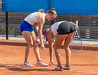Amstelveen, Netherlands, 13 August 2020, NTC, National Tennis Center, KNLTB Wilcard Tournament, Madelief Hageman (NED) (L) and  Stéphanie Visscher (NED) discus a linecall<br /> Photo: Henk Koster/tennisimages.com