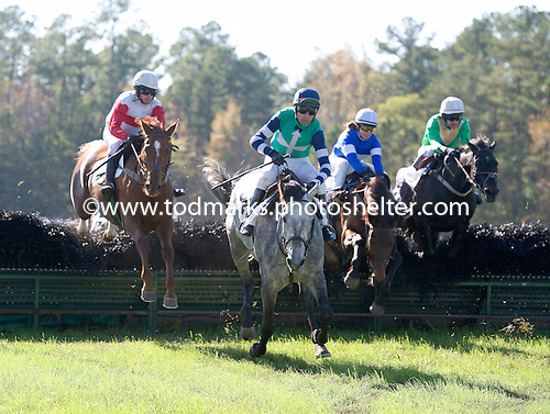 Eventual winner Straight To It (left) stalks Class Indian (gray) in Collie Jennings Mullin maiden at Callaway.