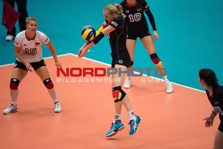 11.07.2014, Anhalt Arena, Dessau<br /> Volleyball, European League 2014, Deutschland vs. Griechenland<br /> <br /> Annahme Jana Franziska Poll (#7 GER)<br /> <br />   Foto &copy; nordphoto / Kurth