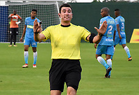 MONTERIA - COLOMBIA, 22-04-2018: Ricardo Garcia, árbitro, durante el encuentro entre Jaguares FC y Deportivo Cali  por la fecha 17 de la Liga Águila I 2018 jugado en el estadio Municipal de Montería. / Ricardo Garcia, referee, during the match between Jaguares FC and Deportivo Cali for the date 17 of the Liga Aguila I 2018 at the Municipal de Monteria Stadium in Monteria city. Photo: VizzorImage / Andres Felipe Lopez / Cont