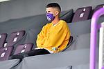 Fußball: nph00403:  - 2. Bundesliga - 27. Spieltag VfL Osnabrück - Hannover 96 am 23.05.2020 im Stadion an der Bremer Brücke in Osnabrück <br /> <br /> Anas Ouahim (VfL Osnabrück #10) sitzt mit einer Maske auf der Tribüne.<br /> <br /> Foto: Michael Titgemeyer/VfL Osnabrück/Pool/Paetzel/nordphoto