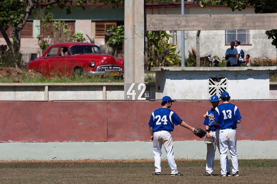BASEBALL - POLES BASEBALL FRANCE - TRAINING CAMP CUBA - HAVANA (CUBA) - 13 TO 23/02/2009 - ARTHUR PATUREL, JONATHAN DECHELLE, MAXIME CHARLOT (FRANCE)
