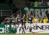 SÃO PAULO, SP,23 FEVEREIRO 2012 - CAMPEONATO PAULISTA - PALMEIRAS x OESTE - jogadores do Palmeiras comemoram gol durante partida Palmeiras X Oeste válido pela 9º rodada do Campeonato Paulista no Estádio Paulo Machado de Carvalho (Pacaembu), na região oeste da capital paulista na noite desta quinta feira (23). (FOTO: ALE VIANNA -BRAZIL PHOTO PRESS).