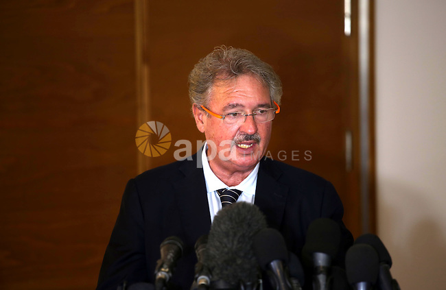 Luxembourg Foreign Minister Jean Asselborn, speaks during a press conference in Gaza city on November 8, 2015. Photo by Mohammed Asad