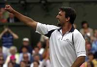 WIMBLEDON CHAMPIONSHIPS 2001 08/07/01 MENS SEMI-FINALS GORAN IVANISEVIC (CROATIA) CELEBRATES AFTER BEATING TIM HENMAN PHOTO ROGER PARKER