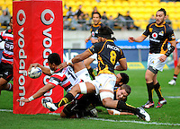 Reynold Lee-Lo scores the first try for Counties-Manukau. ITM Cup - Wellington Lions v Counties-Manukau Steelers at Westpac Stadium, Wellington, New Zealand on Sunday, 8 August 2010. Photo: Dave Lintott/lintottphoto.co.nz.