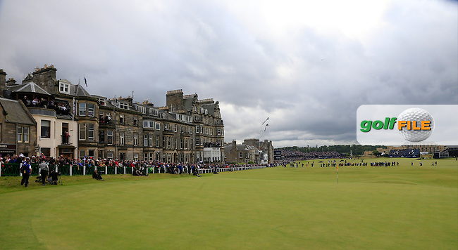 The 18th hole during Sunday's Round 3 of the 144th Open Championship, St Andrews Old Course, St Andrews, Fife, Scotland. 19/07/2015.<br /> Picture Eoin Clarke, www.golffile.ie