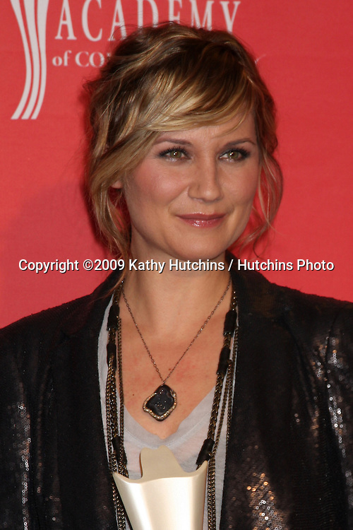 Jennifer Nettles  in the Press Room  at the 44th Academy of Country Music Awards at the MGM Grand Arena in  Las Vegas, NV on April 5, 2009.©2009 Kathy Hutchins / Hutchins Photo....                .