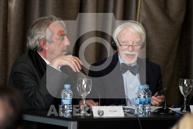 The director of the Circulo de Bellas Artes and the German Egyptologist Jan Assman during a conference at Circulo de Bellas Artes in Madrid. May 25, 2016. (ALTERPHOTOS/Borja B.Hojas)