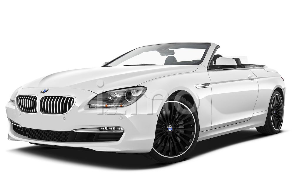 Low aggressive front three quarter view of a 2010 BMW 6 Series 640i Convertible.