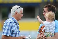 KAATSEN: LEEUWARDEN: 20-07-2014, Rengersdag, LC Journalist Gerrit Kloosterman interviewt Pier Piersma, ©foto Martin de Jong