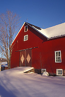 red barn, winter, Vermont, VT, Red barn in the snow in Underhill in winter.