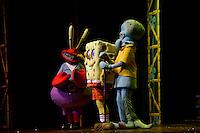 """SAO PAULO, SP, 10 DE MARCO 2012. ESPETACULO BOB ESPONJA, A ESPONJA QUE PODIA VOAR. Trecho da estreia para VIPS do espetaculo """"Bob Esponja, a Esponja que Podia Voar"""", no<br /> Credicard Hall, em Santo Amaro, regiao sul de SP, na tarde deste sabado, 10. (FOTO: MILENE CARDOSO - BRAZIL PHOTO PRESS)"""