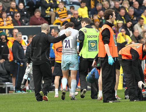 03.04.2016. Ricoh Arena, Coventry, England. Rugby Aviva Premiership. Wasps versus Northampton Saints.   Wasps Lee Dickson is lead away for head injury assessment.