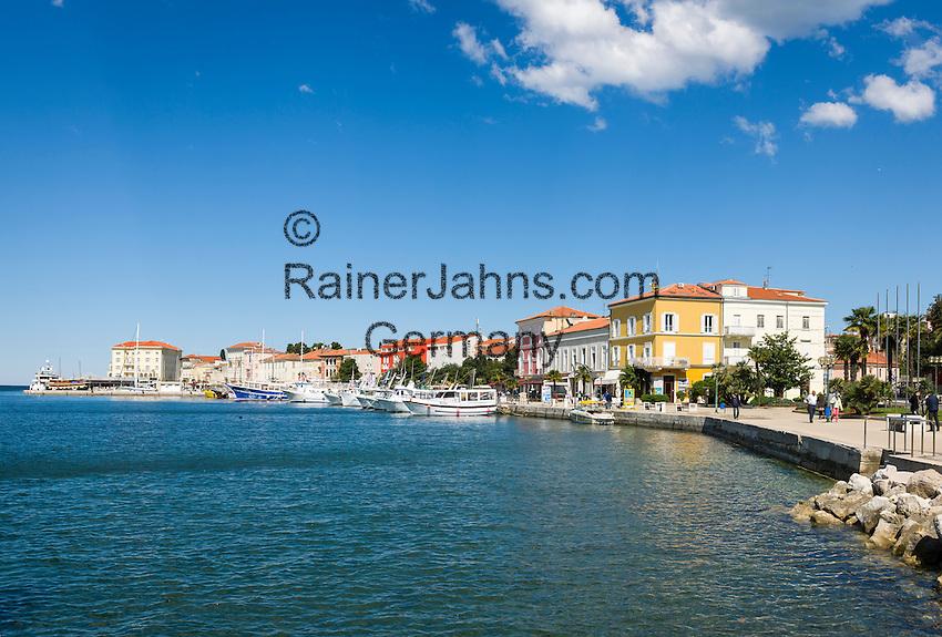 Croatia, Istria, Porec: harbour with sightseeing boats | Kroatien, Istrien, Porec: Hafen mit Ausflugsbooten