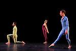 SUITE FOR FIVE....Choregraphie : CUNNINGHAM Merce..Mise en scene : CUNNINGHAM Merce..Compositeur : CAGE John..Compagnie : Merce Cunningham Dance Company..Lumiere : EMMONS Beverly..Costumes : RAUSCHENBERG Robert..Avec :..MADOFF Daniel..MITCHELL Rashaun..GOGGANS Jennifer..SCOTT Jamie..WEBER Andrea..Lieu : Theatre de la Ville..Ville : Paris..Le : 15 12 2011..Laurent Paillier