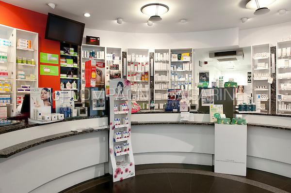 Inside a Vivantia pharmacy in Leuven (Belgium, 05/10/2010)