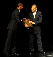 Lee Kemp is inducted into the Wisconsin Athletic Hall of Fame on 11/20/2009 at the Milwaukee Theatre