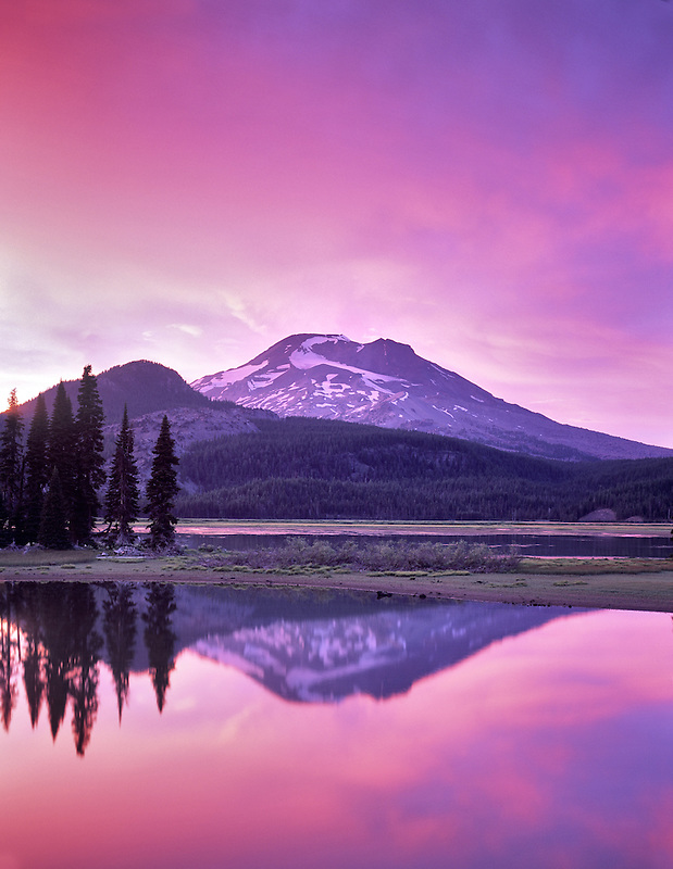 Sparks Lake and South sister Mountain at sunset, Oregon