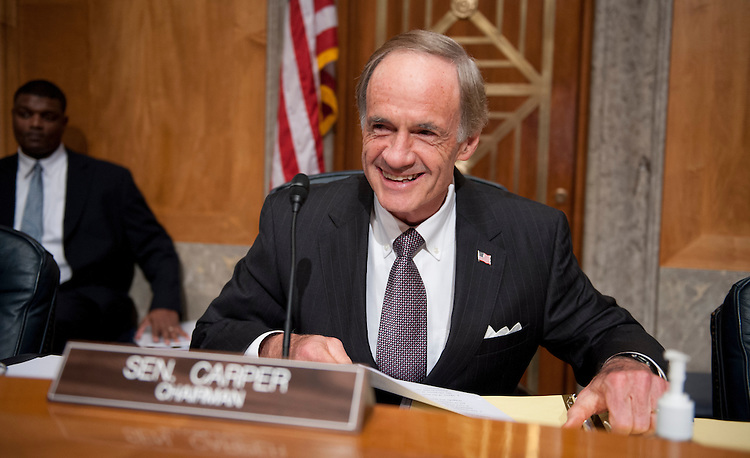 "UNITED STATES - Oct 31: Chairman Thomas Carper, D-DE., during the full committee hearing in Senate Homeland Security and Governmental Affairs Committee on ""The Navy Yard Tragedy: Examining Government Clearances and Background Checks.""  (Photo By Douglas Graham/CQ Roll Call)"