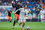 Luka Modric (r) of Real Madrid battles for the ball with Daniel Parejo Munoz of Valencia CF  during their La Liga match between Real Madrid and Valencia CF at the Santiago Bernabeu Stadium on 29 April 2017 in Madrid, Spain. Photo by Diego Gonzalez Souto / Power Sport Images