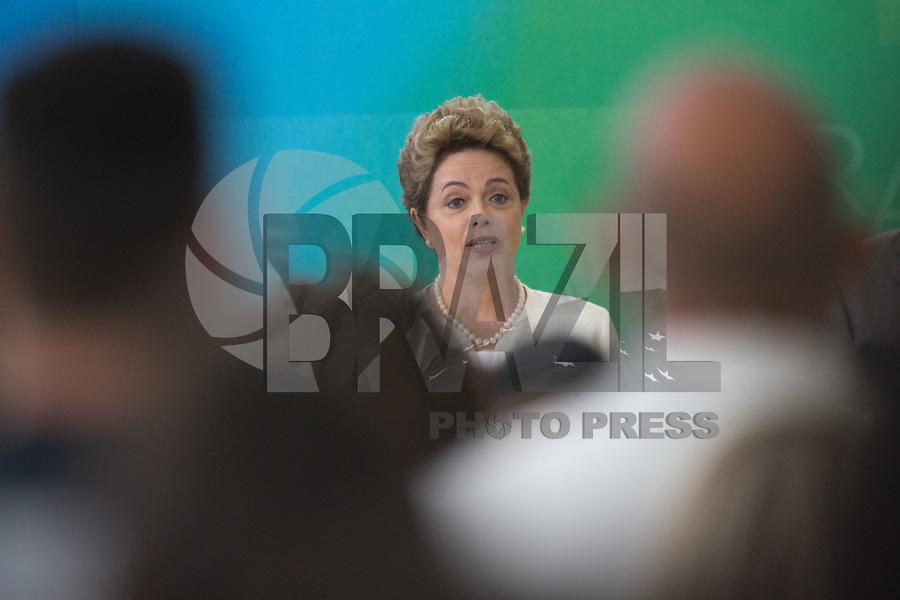 BRASILIA, DF, 19.11.2015 - DILMA-NEGROS-  A presidente Dilma Rousseff, durante a cerimônia comemorativa do Dia Nacional da Consciência Negra, no Palácio do Planalto, nesta quinta-feira, 19. (Foto:Ed Ferreira / Brazil Photo Press/Folhapress)