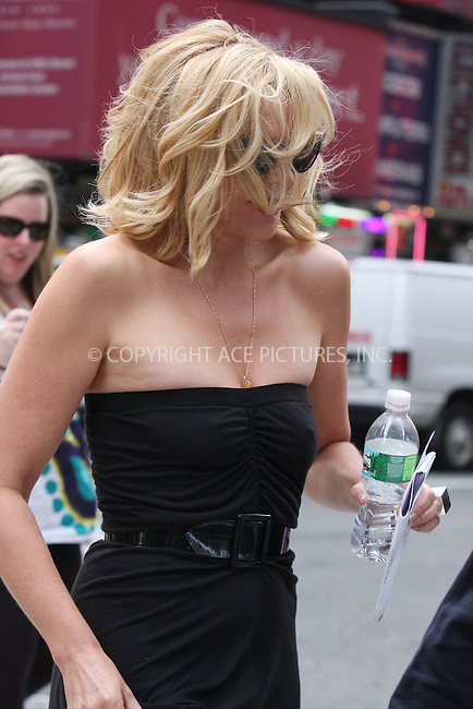 WWW.ACEPIXS.COM . . . . .  ....September 3 2009, New York City....Actress Kim Catrall makes her first appearance on the set of the new 'Sex and the City 2' movie on Septemer 3 2009 in New York City....Please byline: AJ Sokalner - ACEPIXS.COM..... *** ***..Ace Pictures, Inc:  ..tel: (212) 243 8787..e-mail: info@acepixs.com..web: http://www.acepixs.com