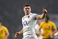 Owen Farrell of England gives a thumbs up. Old Mutual Wealth Series International match between England and Australia on November 18, 2017 at Twickenham Stadium in London, England. Photo by: Patrick Khachfe / Onside Images