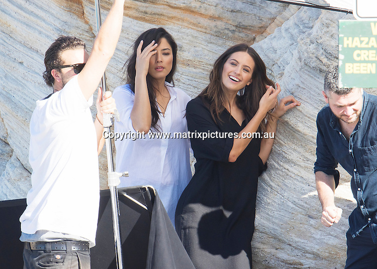 10 MAY 2016 SYDNEY AUSTRALIA<br /> WWW.MATRIXPICTURES.COM.AU<br /> <br /> EXCLUSIVE PICTURES <br /> <br /> Jesinta Campbell pictured with Jessica Gomes and Montana Cox at Maroubra for a photoshoot.